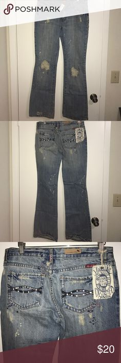 VINTAGE ABERCROMBIE & FITCH JEANS Boot cut. Never worn. Vintage. A couple of cut outs. Some detailing stitches. Jewls on the back pockets. No trades. Abercrombie & Fitch Jeans Boot Cut