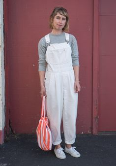 """Lexi,27""""I'm wearing Esprit overalls, a Stüssy sweater, a Baggu bag, and Vans shoes. I like colors, comfort, and garments that are designed to be durable and that come with pockets.""""Nov15,2015 ∙ West Coast Craft Fair"""