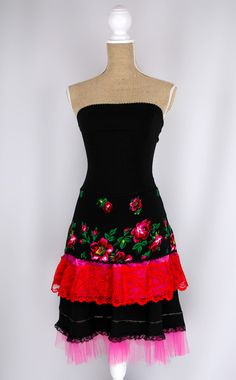 """Great for dancing: """"Ania Dress"""" Folk- Size 3 -Black 