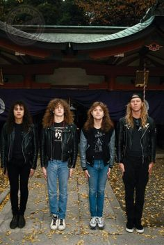 Metallica 제임스는 콧수엽을 기르기 시작할때 부터가 정말 카리스마 제대로였지. 저때 사진은 넘 개구쟁이 같다.