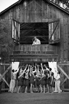 35 Totally Ingenious Rustic Outdoor Barn Wedding Ideas ...