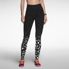 I WANT WANT WANT these running leggings! Preferably with the honed abs, too.
