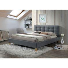 Texas Ágykeret 180cm Szürke A Texas ágykeret ideális választás, ha egy gyönyörű ágyat álmodtál meg hálószobád díszének. Kiváló minőségű, szürke árnyalatú szövet kárpitozással rendelkezik, ezáltal bátran kombinálható más színekkel. A gyönyörű, határozott vonalvezetéssel ellátott tűzött háttámlát remekül kiegészítik a fából készült lábak. Elegáns megjelenésének köszönhetően a modern, és a klasszikus stílusban berendezett otthonokba is könnyedén beilleszthető. A 180-as mellett 160 cm-es…