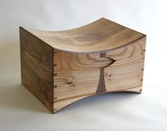 Wedding Box By Tom Cooper Fine Furniture Deco Design, Wood Design, Woodworking Box, Woodworking Projects, Small Wood Projects, Fine Furniture, Furniture Makers, Green Furniture, Wood Joinery