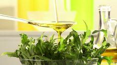 [huile de roquette] Connaissez -vous les multiples bienfaits santé et beauté de cette huile magique ? Riche en vitamines K protectrice du coeur, stimulante, purifiante, un vrai trésor !   https://www.manelya.com/lhuile-de-roquette/