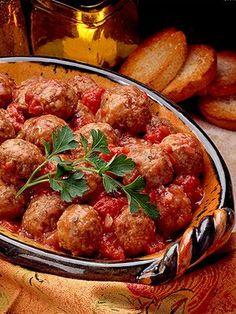 Meatballs in Tomato-Wine Sauce