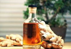 """Ghimbirul face parte din categoria alimentelor """"medicinale"""", fiind considerat unul din cele mai valoroase condimente la nivel mondial. Dincolo de iuțeala sa dulce și aromată – datorată conținutului de uleiuri naturale (îndeosebi gingerol), se ascund proprietăți terapeutice nebănuite. Ghimbirul are o istorie lungă în diferite forme de medicină tradițională sau alternativă. A fost utilizat îndeosebi … More"""