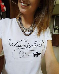 wanderlust dibujos O sent - wanderlust Cute Shirt Designs, Cute Shirts, Diy Clothes, Casual Looks, Hand Embroidery, T Shirts For Women, Wanderlust Travel, Lima, Dyi