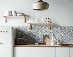 Keuken achterwand met VT Wonen tegels - via Kol tegels