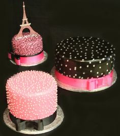 love the pink Eiffel Tower on this cake