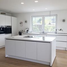 So tidy is the kitchen only rarely … because our kitchen serves more as a … - White Kitchen Remodel Coffee Bars In Kitchen, Home Coffee Stations, White Side Tables, Cuisines Design, Küchen Design, Interior Design Living Room, Home Kitchens, Storage Spaces, Kitchen Remodel