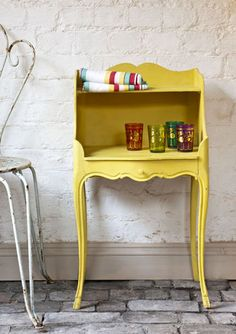 Painted Furniture in English Yellow Chalk Paint® by Annie Sloan . English Decor, Decor, Furniture Diy, Painted Side Tables, Yellow Furniture, Chalk Paint Furniture, Painted Furniture Designs, Home Decor, Yellow Painted Furniture