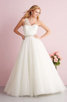 The beauty of this ballgown lies in its clean lines and simplicity. Allure Romance, 2014