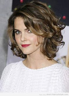 stacked hairstyle for curly hair | Womens-Short-Hairstyles-for-Wavy-Hair