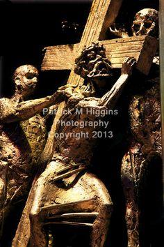 2 Jesus carries His cross (Sean Rice)