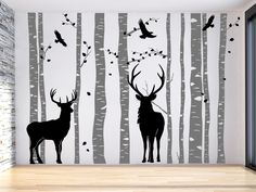 Wandtattoo Wald mit Hirschen im Wohnzimmer in grau und schwarz