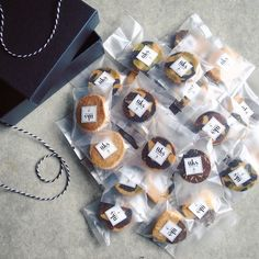 Dessert Packaging, Cookie Packaging, Brand Packaging, Packaging Ideas, Candy Cane Cookies, Candy Canes, Toast Sandwich, Winter Parties, Reindeer Food