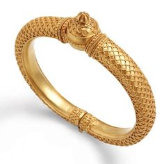 Use this bangle design to make thinner version of the kada. Love the texture. Gold Bangles Design, Gold Jewellery Design, Gold Jewelry, Jewelery, Designer Bangles, Tribal Jewelry, Gold Earrings, Gold Ornaments, Schmuck Design