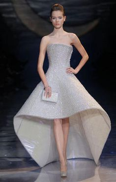www.armani.com, Giorgio Armani Couture, Bridal Collection, bride, bridal, wedding, noiva, عروس, زفاف, novia, sposa, כלה, abiti da sposa, vestidos de novia, vestidos de noiva, boda, casemento, mariage, matrimonio, wedding dress, wedding gown.