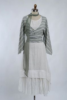 This wrap top on a linen vintage look below knee dress: Blanchefleur Frock dr-blanchefleur-fr - Ivey Abitz Bespoke