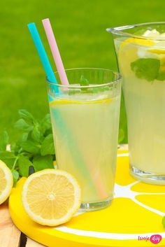Domowa lemoniada cytrynowa Smoothie Drinks, Smoothies, Polish Recipes, Welcome Drink, Non Alcoholic, Healthy Drinks, Glass Of Milk, Liquor, Catering