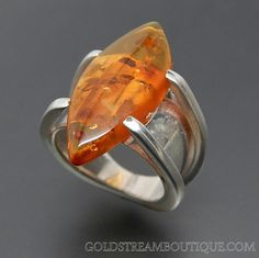 Sunny Baltic Amber Sterling Silver Modernist Ring - Size 6.75 – Gold Stream Boutique