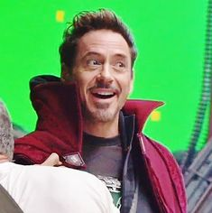 He is so happy that he can wear Dr. Strange's cloak❤️ Marvel And Dc Characters, Marvel Movies, Robert Downey Jnr, Dc Icons, Avengers Cast, Iron Man Tony Stark, Super Secret, Downey Junior, Doctor Strange