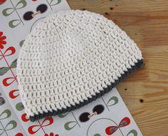 Happy in Red: Womens beanie crochet tutorial