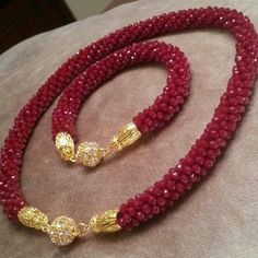 Rona Loomis bead crochet necklaces with focal beads Red Jewelry, Bead Jewellery, Seed Bead Jewelry, Jewelry Crafts, Jewelery, Bead Crochet Patterns, Beaded Jewelry Patterns, Handmade Beads, Handmade Jewelry
