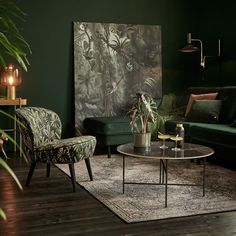 wall color and couch color Dark Green Living Room, Dark Green Rooms, Green Dining Room, Dark Living Rooms, Colourful Living Room, Home Living Room, Living Room Designs, Living Room Furniture, Living Room Decor