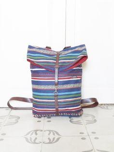 numon — Mochila pequeña tapicería azul estampada