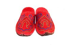 T02C Crimson Manas Felt Slippers, Improve Blood Circulation, Traditional Design, Hand Stitching, Barefoot, Wool, Pattern, Collection, Shoes