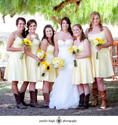 Country Wedding, cowgirl bride and bridesmaids.