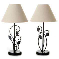 Conjunto de #lámparas de #forja con pie en #negro y #pantalla en #blanco. Iluminación para el #hogar en Casa Selección.