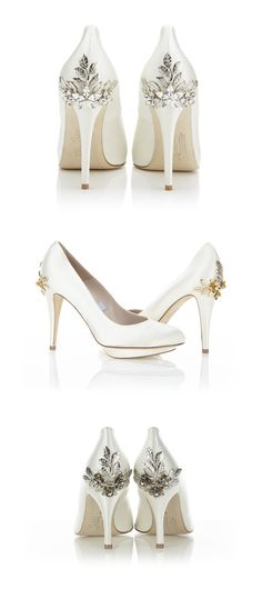 Os saltos dos sapatos da grife inglesa Harriet Wilde sempre me chamaram atenção pelos seus lindos detalhes. São flores e pedrarias que deixam os sapatos uma verdadeira jóia.  {CASAMENTOS&CASAS}