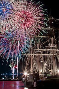 Fireworks in Nagasaki, Japan Fireworks Photography, Summer Photography, Fire Works, Hanabi, 4th Of July Fireworks, Let's Have Fun, Nagasaki, Shows, Sparklers