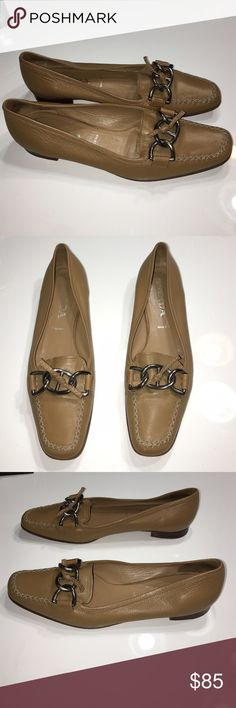 Authentic Prada leather loafers sz 39 US 9 Authentic Prada leather loafers sz 39 US 9 very good condition just slight wear to the bottom soles fit size 9 Prada Shoes Flats & Loafers