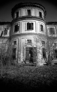 Abandoned - Villa del Maggiordomo, in the territory of Grugliasco, built 1675-1683
