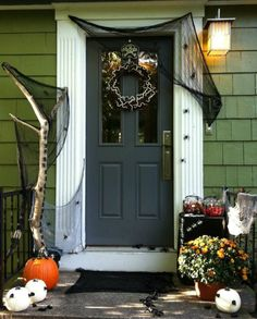 My new post! #halloweenideas #halloweendecorideas #besthalloweendecoration http://homedecorideas.eu/home-exteriors/the-best-5-front-door-decors-for-this-years-halloween/