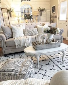 Living Room Grey, Home Living Room, Living Room Decor, Bedroom Decor, Cottage Style Living Room, Shabby Chic Living Room, Living Room Ideas 2020, Living Room Designs, Interiores Shabby Chic