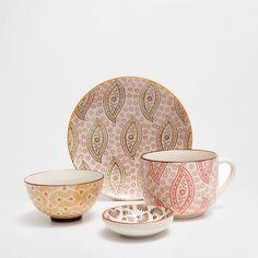 Conjunto de porcelana relevo pontos feito à mão - Café e Chá - Mesa | Zara Home Brasil