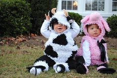 We've gathered the CUTEST Halloween costumes for twins or more in one big gallery! Check out these great ideas to outfit your twinnies for the big holiday!
