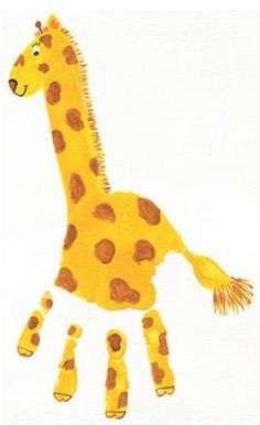 Handprint giraffe. He's so cute!    #handprints #kidscrafts #kids