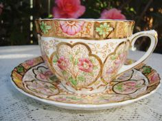 Salisbury Tea cup Ruffled Design England by DimitrijNigodoff