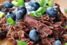 Make your Labor Day holiday weekend the best with this smoked pulled venison! and blueberry barbecue sauce