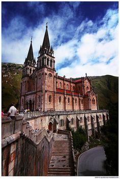 La Basílica de Santa María la Real de Covadonga, Asturias