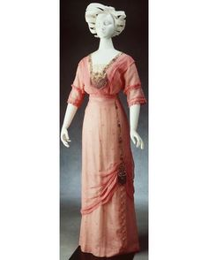Evening dress, Australia, ca. 1910. Powerhouse Museum