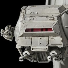Bandai has released more images of their new AT-AT Imperial Walker in scale, We are in love! Let's take a look at this new kit. Star Wars Ships, Star Wars Art, Imperial Walker, Star Troopers, Nave Star Wars, At At Walker, The Modelling News, Mundo Dos Games, Star Wars Vehicles