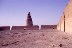 Grande_mosquée_de_Samarra_en_1970.jpg 1.050×700 Pixel