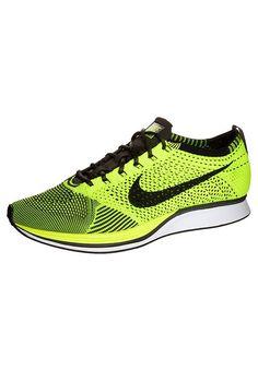 Köp  Nike Performance FLYKNIT RACER - Löparskor för tävling - yellow/black för 1495,00 kr (2017-07-31) fraktfritt på Zalando.se